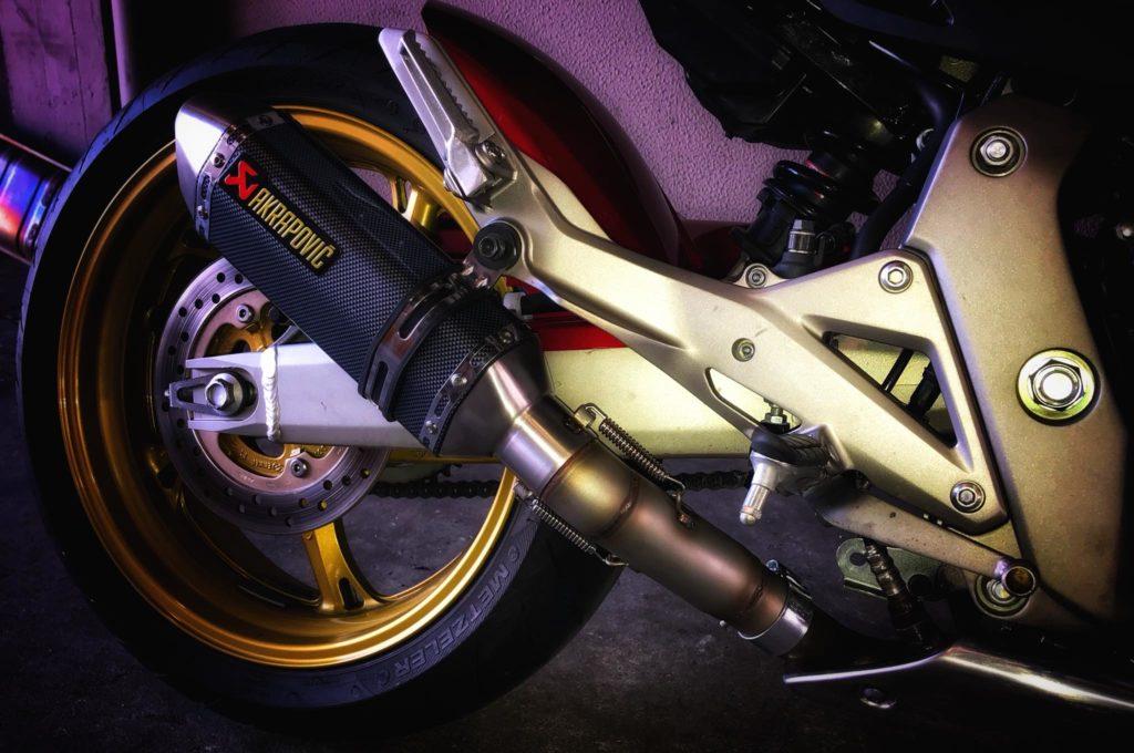 Fabrico de tubo para aplicação de ponteira em Honda Hornet .