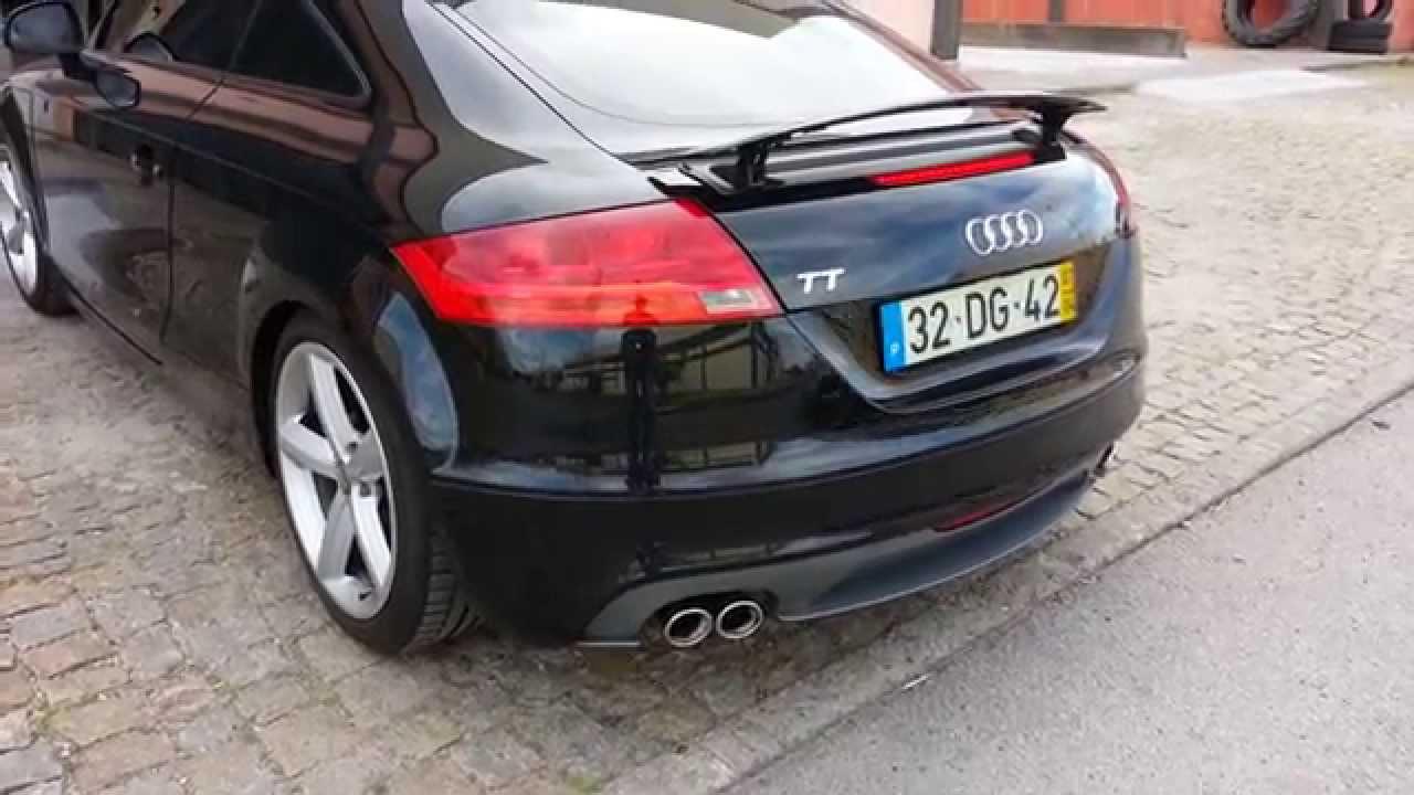 Audi TT com linha directa de escape